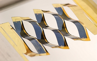 By borrowing from kirigami, researchers at the University of Michigan have developed solar cells that can track the sun (photo: Aaron Lamoureux)