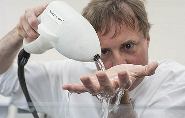 Professor Tim Leighton pictured with the StarStream device (photo: University of Southampton)