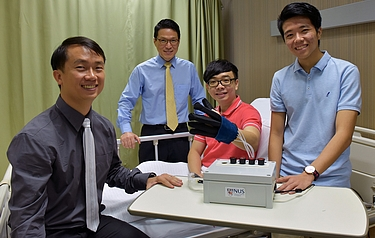 A research team from the National University of Singapore has developed a new lightweight and smart rehabilitation device called EsoGlove (photo: National University of Singapore)