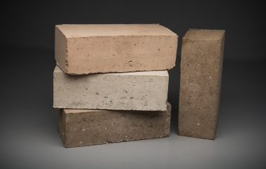'Breathing' bricks that reduce waste and CO2 in the construction sector