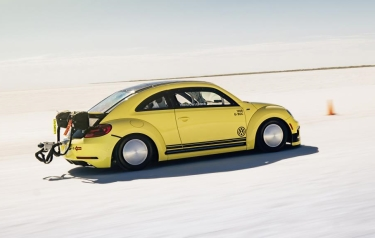 New speed record for specially prepared Beetle LSR (Credit: Volkswagen)