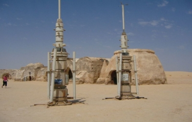 Star Wars moisture 'vaporators'. (Credit: Véronique Debord-Lazaro/Flickr, CC BY-SA)