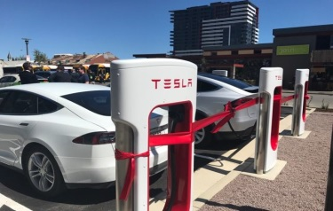 The new charging hub in Franklin Street, Adelaide (Credit: The Lead)