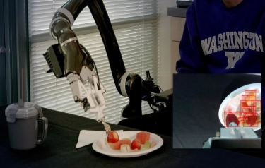 The object-detection algorithm, called RetinaNet, scans the plate, identifies the types of food on it and places a frame around each item. (Credit: Eric Johnson/University of Washington)