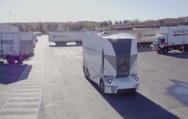 World premiere: First cab-less and autonomous, fully electric truck in commercial operations on public road (Credit: Einride)