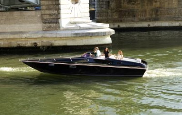 Renault ?second life' batteries power innovative all-electric passenger boat