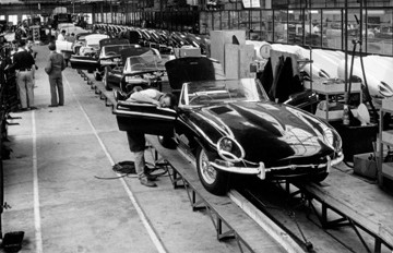 The Jaguar E-Type in production
