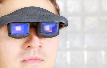 Users can control the display of these data glasses with their eye movements (photo courtesy of Fraunhofer COMEDD)