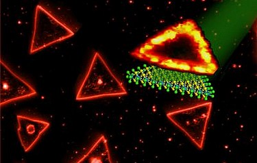 Triangular single layers of tungsten disulphide have been synthesised by Penn State researchers. The edges of the triangles exhibit extraordinary photoluminescence, while the interior area does not (image: Terrones lab, Penn State University)