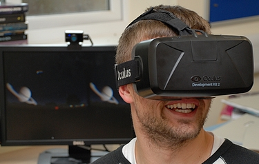 John Timlin using the prototype Starsight software on the Oculus Rift headset (photo: Jason Cowan, UK ATC)