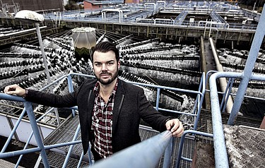 Rickard Arvidsson at the Ryaverket waste water treatment plant in Gothenburg, which provided the basis for the calculations in his studies (photo: Oscar Mattsson)